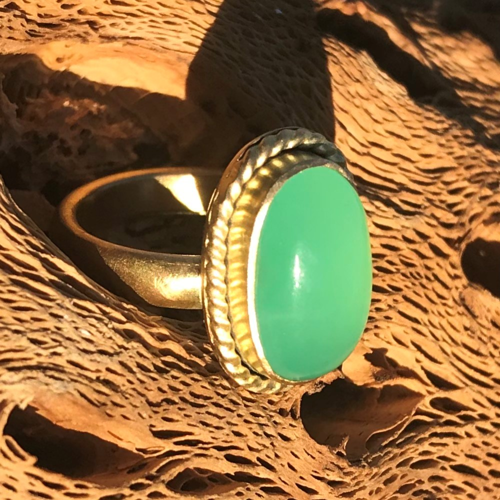 18k Chrysoprase Ring